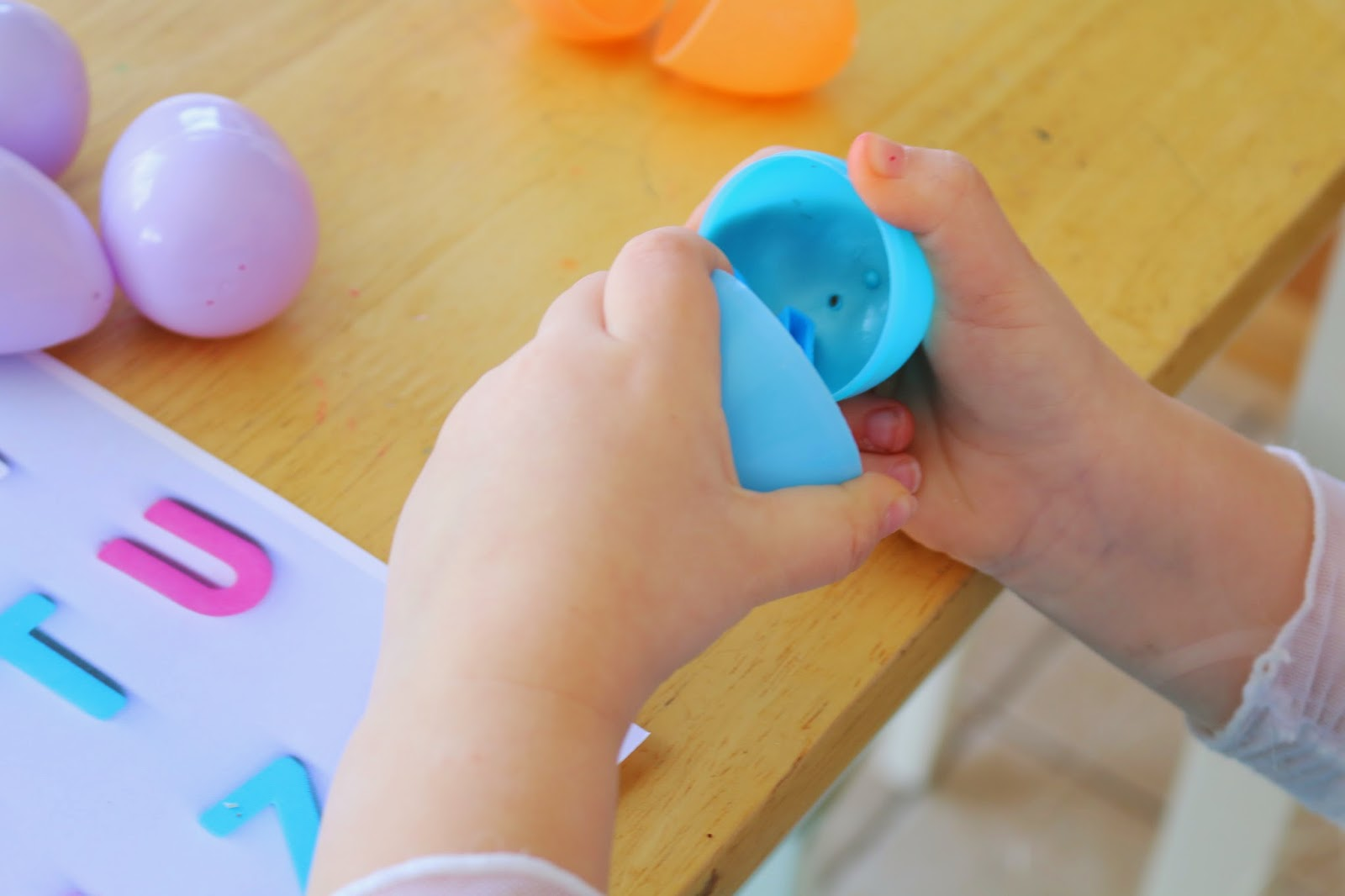 letter matching activity to preschoolers