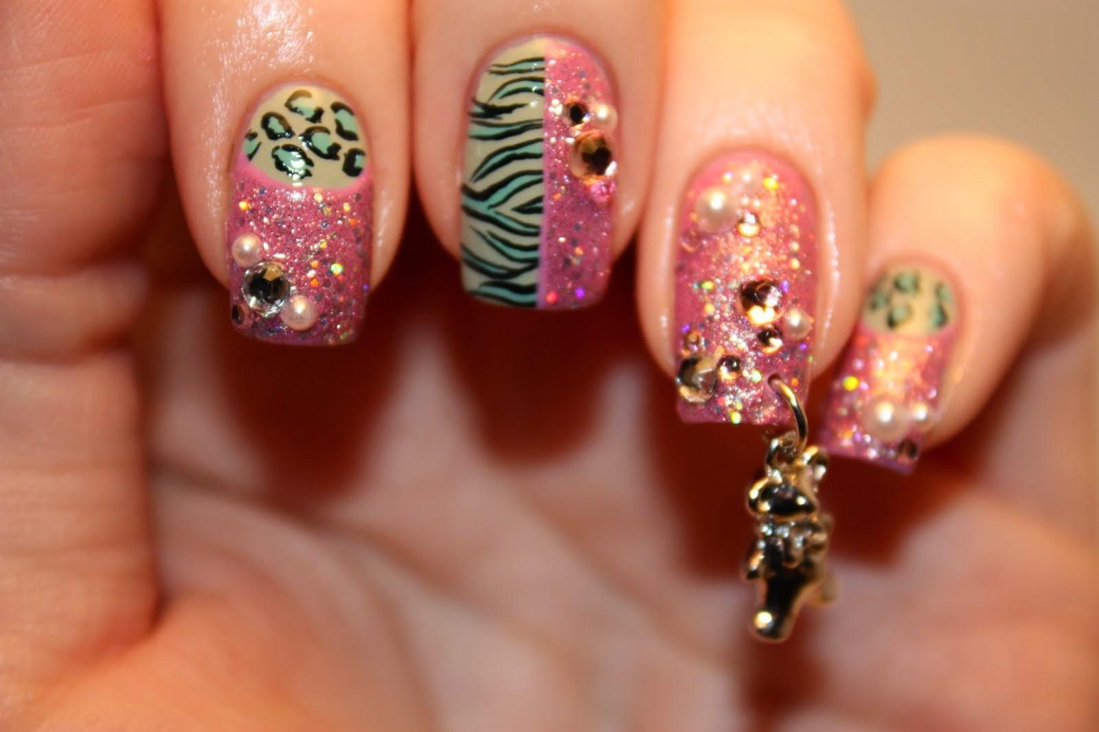 Дизайн ногтей с бусинками
