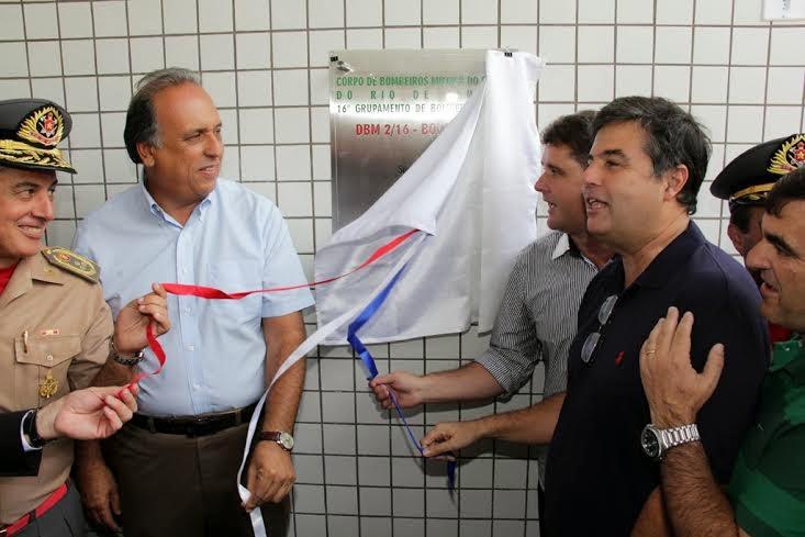 Descerramento da placa de inauguração do Destacamento  de Bombeiro Militar