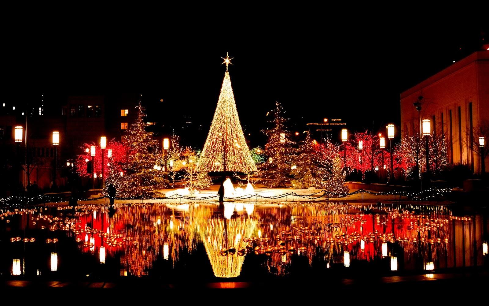 http://4.bp.blogspot.com/-Iv3pt3P5toI/TpVX2Tv1U9I/AAAAAAAAEGQ/assWeBOzWFA/s1600/christmas_eve_wallpapers.jpg
