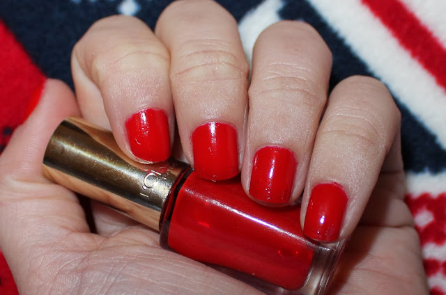 l'oreal color riche rouge pin up swatch