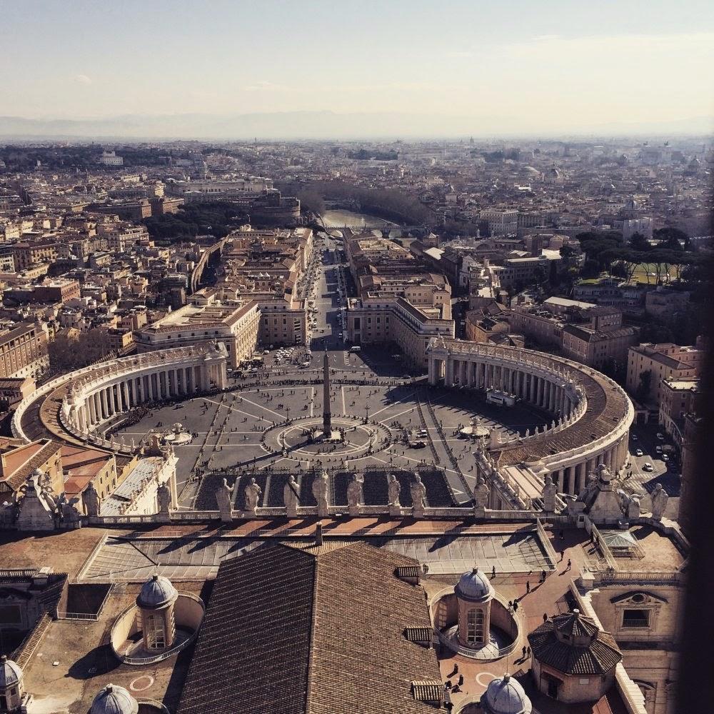 Blick auf den Petersplatz in Rom