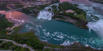http://www.airpano.ru/files/Niagara-Falls-USA-Canada/2-2