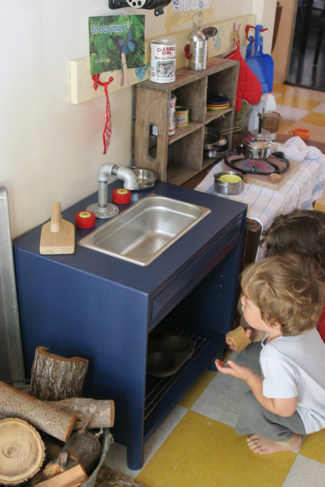 The Brooding Hen: Simple Play Kitchen Sink