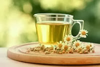 chamomile tea against swelling