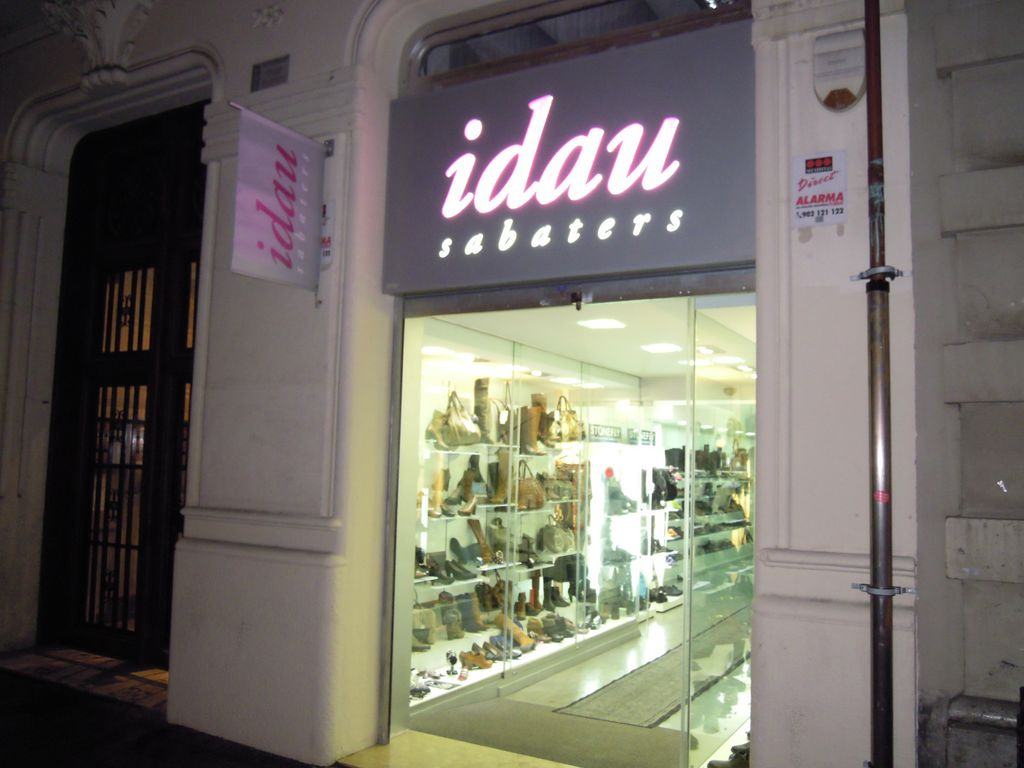 Zapatos para plantillas barcelona tiendas comercios y - Empresas constructoras en barcelona ...