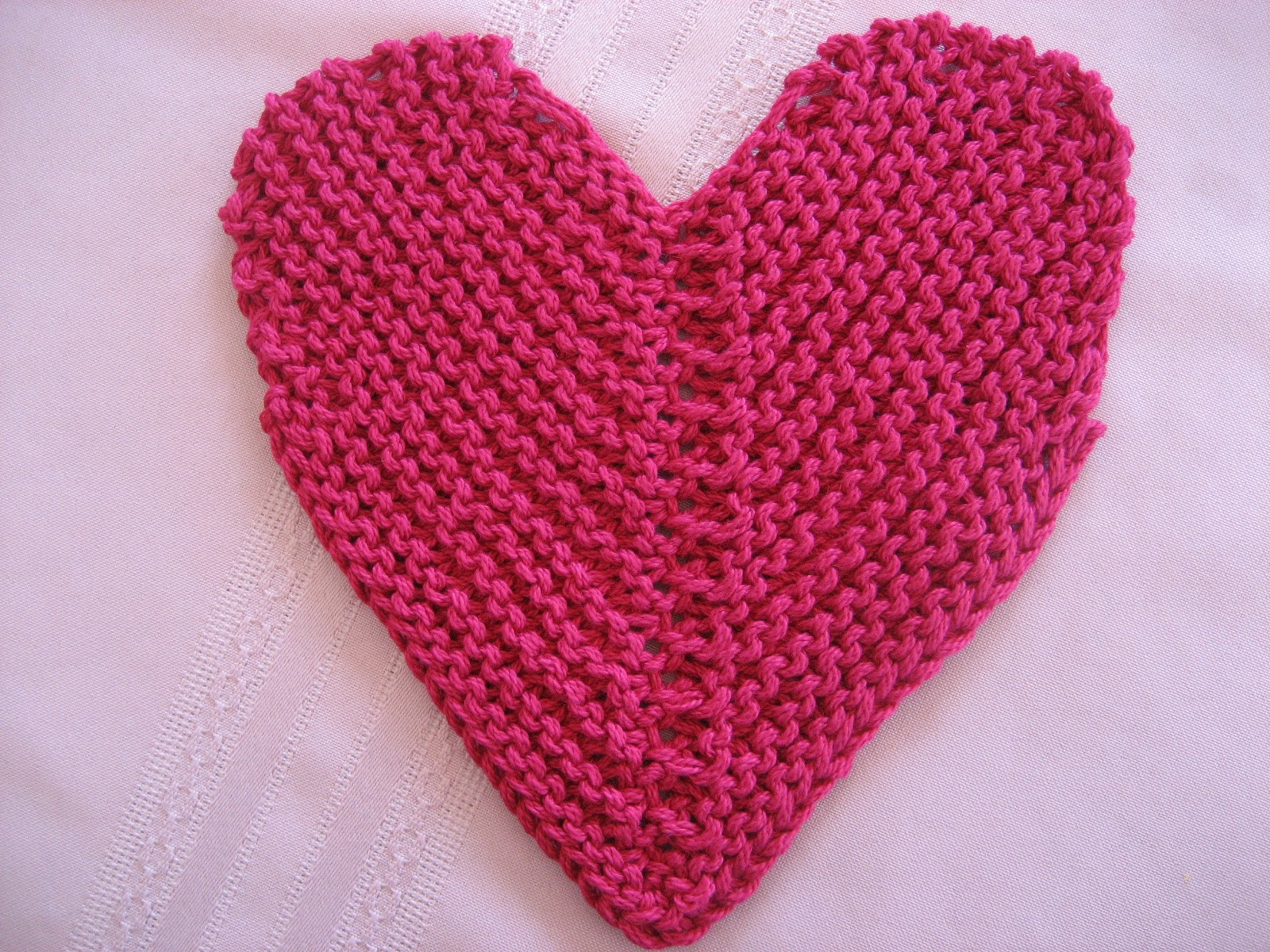Heart Shaped Knitting Pattern : Red Hat Knitter