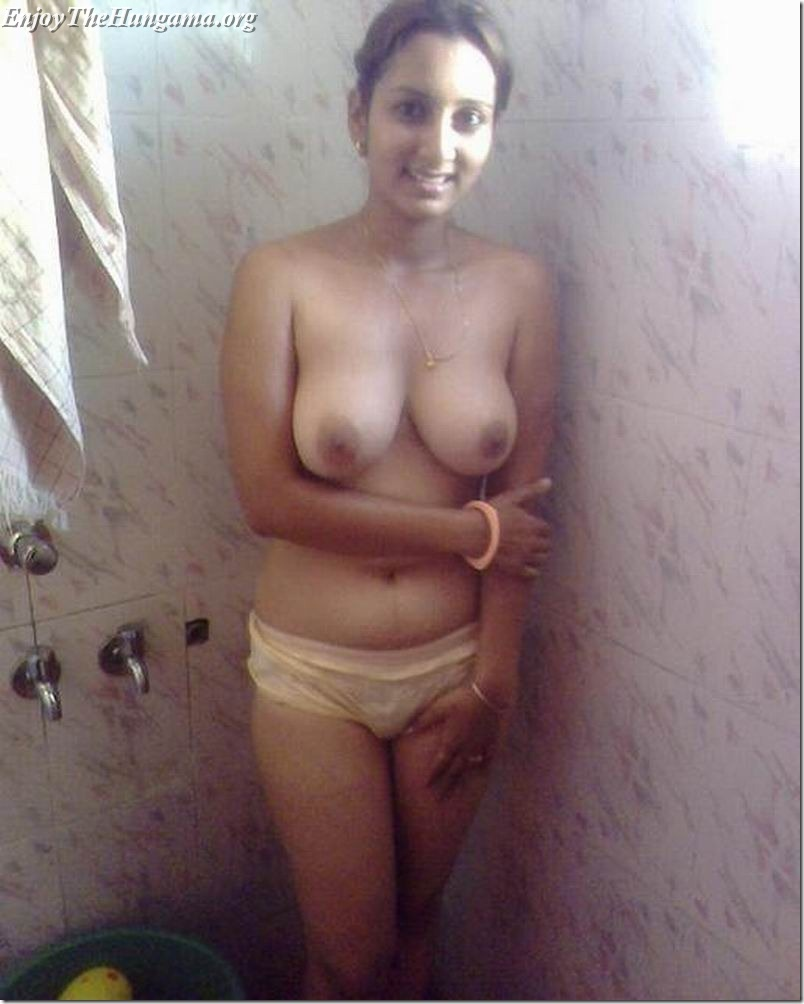 beautful women nude shower