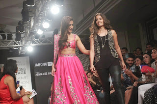 Ileana DCruz Showstopper at LFW 2014 (3).jpg