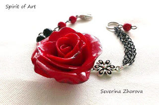 гривна червена роза от полимерна глина