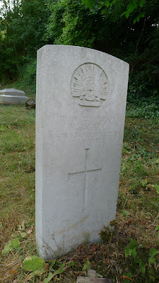 The grave of 2nd Lt. H.G. Carr, Australian Flying Corps