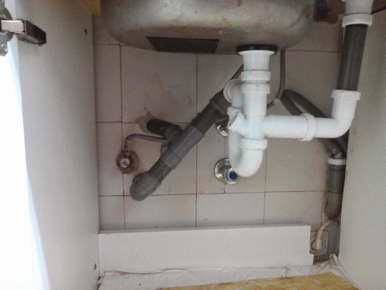 Trabajos y Reparaciones de Fontaneria en viviendas de León como Soluciónamos los Desatascos de Tuberias para los Fregaderos. Información en el 618848709 y 987846623 presupuestos.