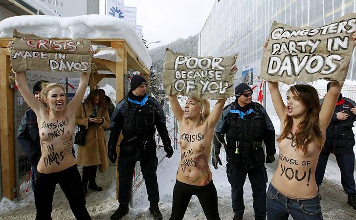 Ativistas do Grupo FEMMEN em Davos/Suíça