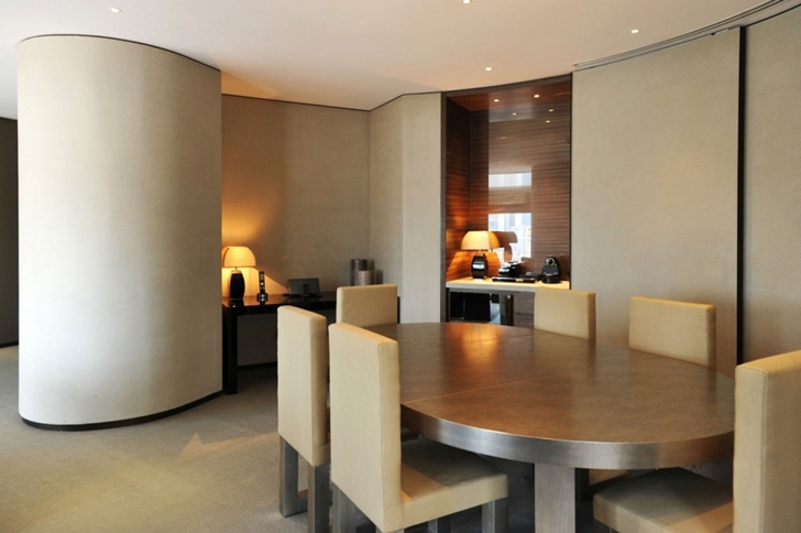 Dining table in Armani Burj Khalifa Hotel Dubai