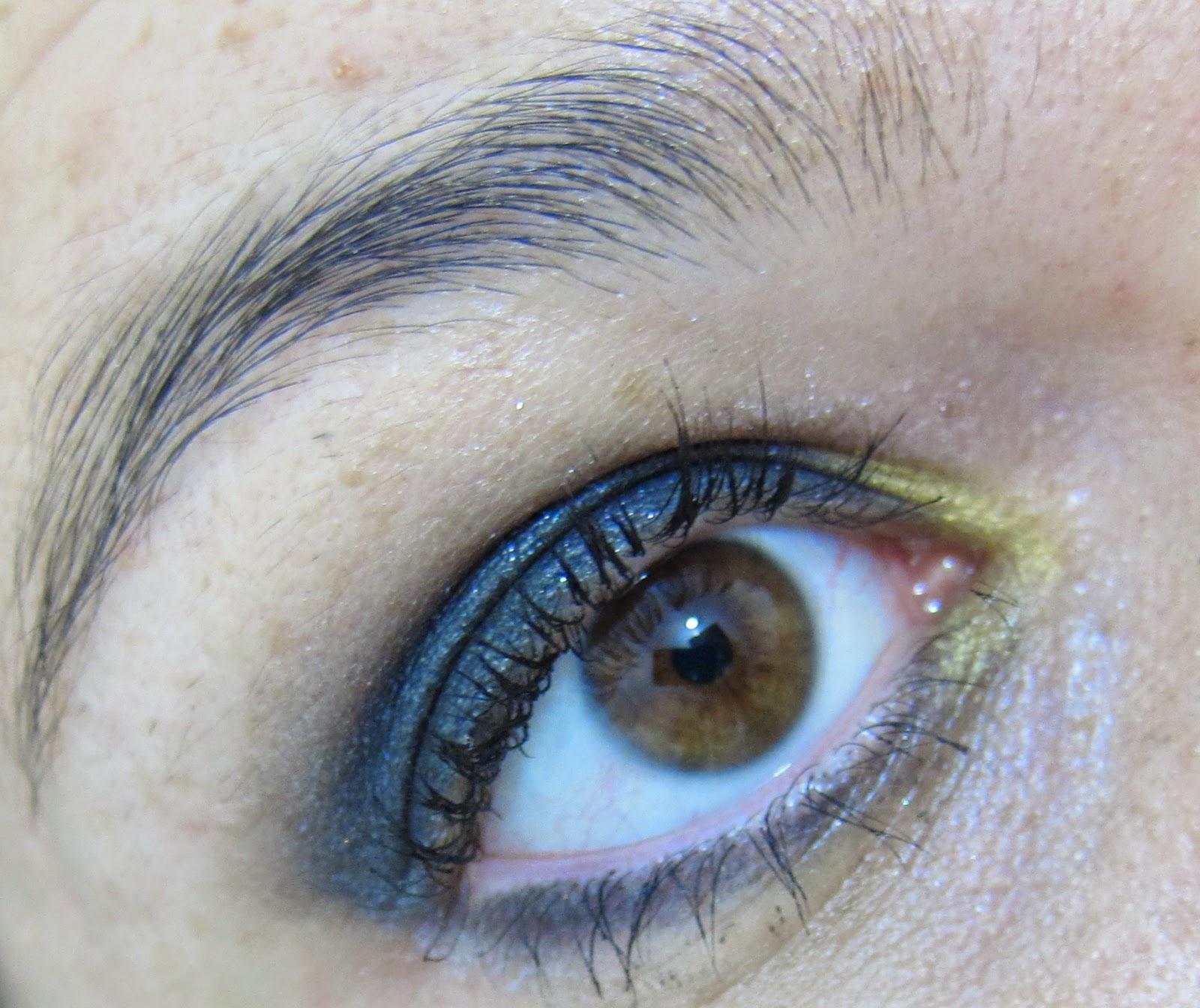 maquiagem suave preta