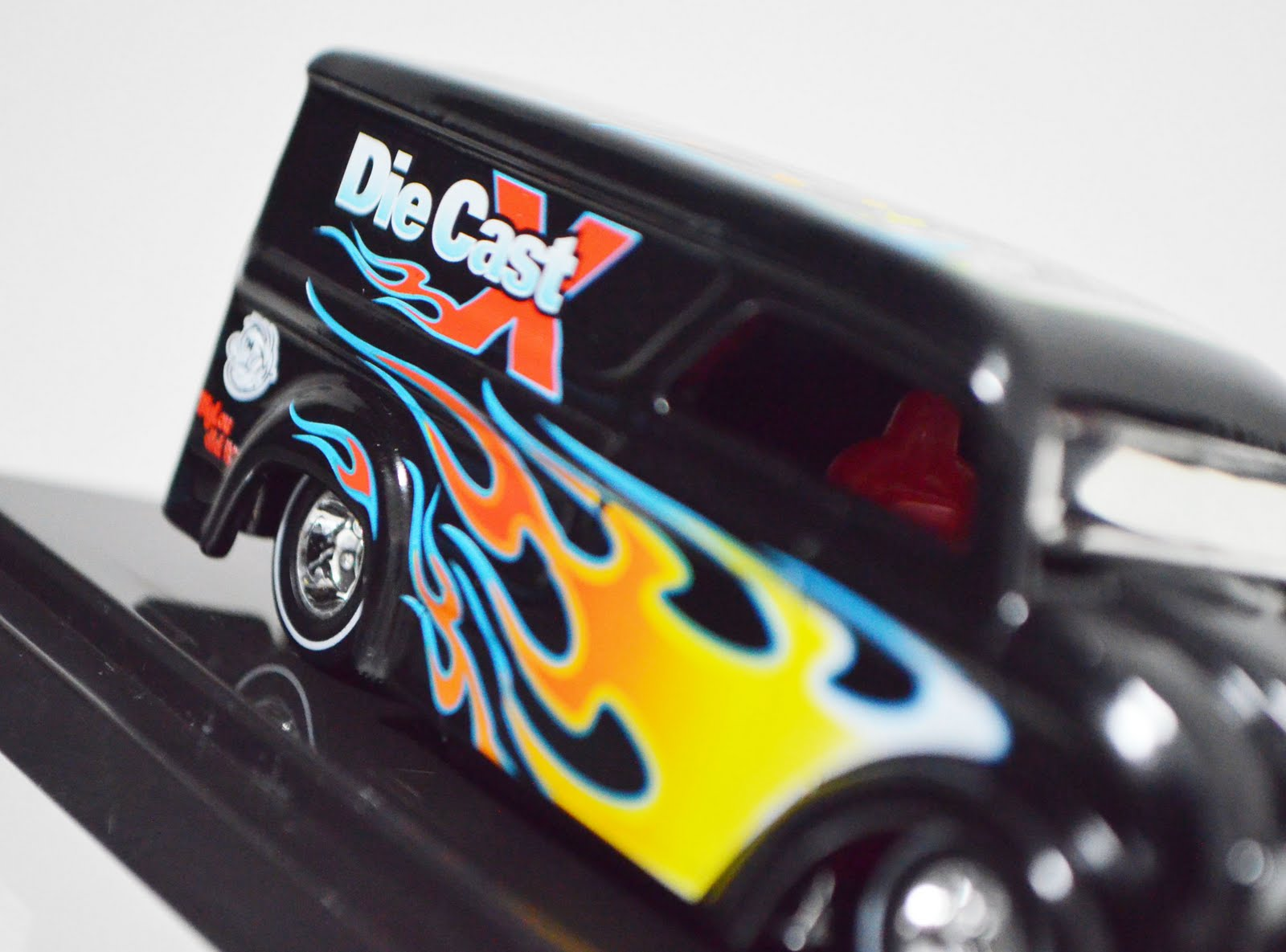 diecast space super convention dairy delivery - HD 1600×1185
