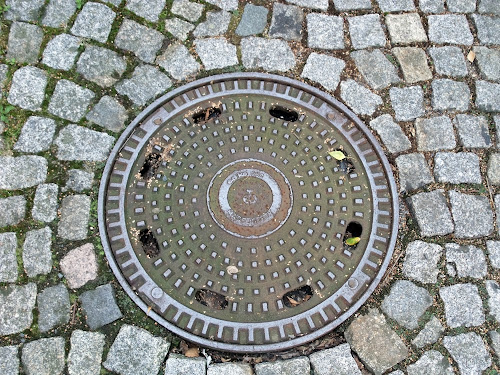 photo of a manhole cover in Meissen by Andie Gilmour