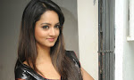 Shanvi Latest Glamorous Photos in Black Saree-thumbnail