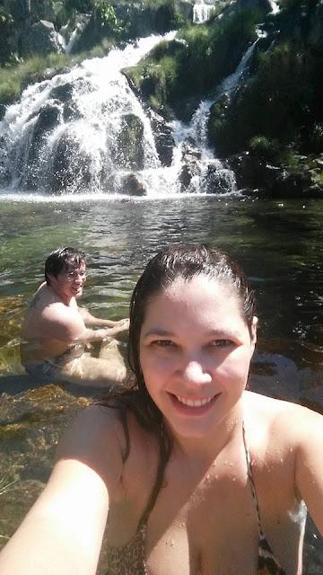 cachoeira, chapada dos veadeiros, prévia romântica, ensaio de namorados, e-session, pré wedding, natureza, cavalcante, santa bárbara, são bartolomeu, capivara, lua de mel econômica