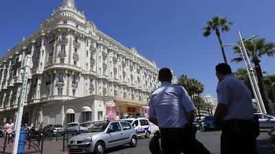 Vol de bijoux à main armée commis en plein jour à l'hôtel Carlton de Cannes