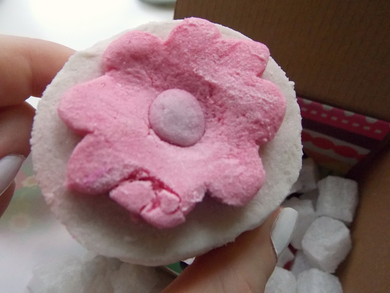 Lush Pop In The Bath Bubble Bar Review and Image
