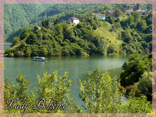 hiperica_lady_boheme_blog_cucina_ricette_gustose_facili_e_veloci_paesaggio_lacustre_2_lago2+copia.jpg