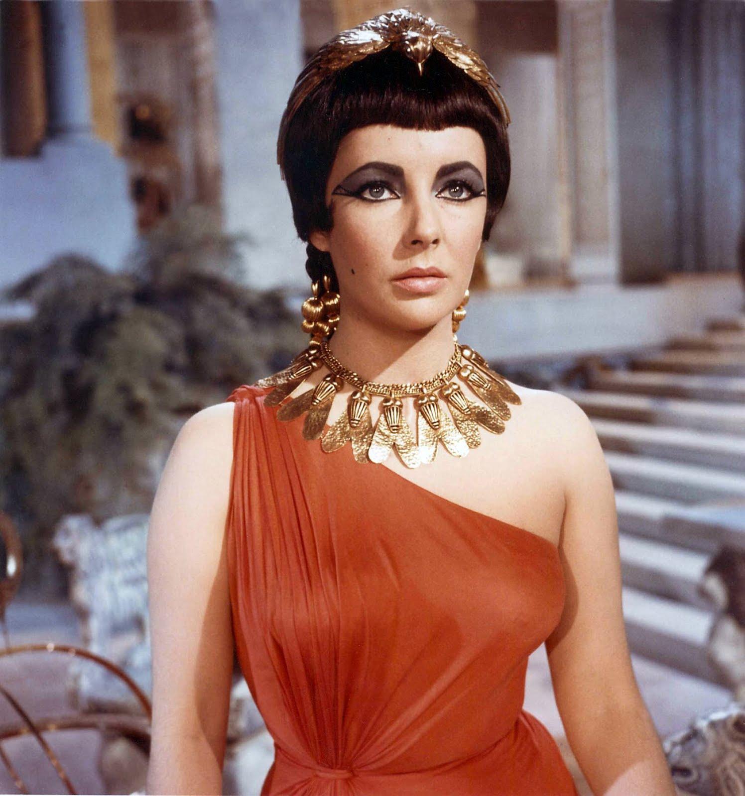 http://4.bp.blogspot.com/-IySUZfFISfk/TckzJgt5eZI/AAAAAAAAAfs/HyeiUL0MQlo/s1600/elizabeth-taylor-as-cleopatra.jpg