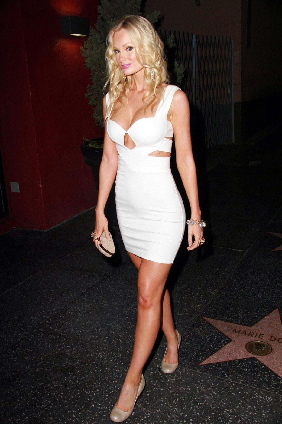 Sophie Turner Tight White Dress