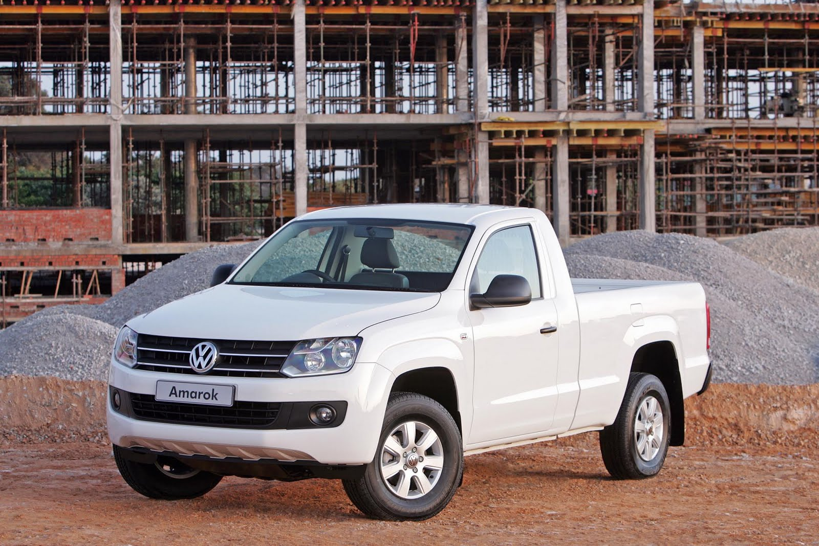 in4ride volkswagen amarok loses two doors. Black Bedroom Furniture Sets. Home Design Ideas
