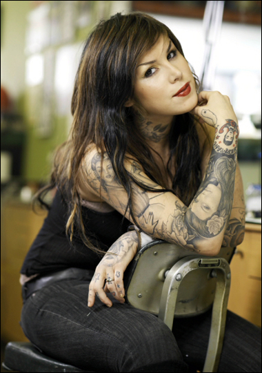 mujeres hermosas tatuadas
