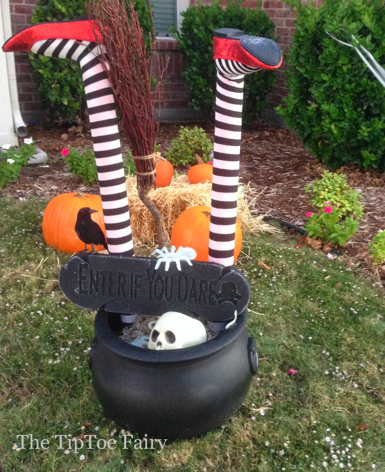 Halloween outdoor decorations it 39 s a witch crashing for 3 witches halloween decoration