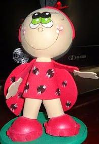 http://fofuchasevacia.blogspot.com.es/2012/01/joaninha-toy.html