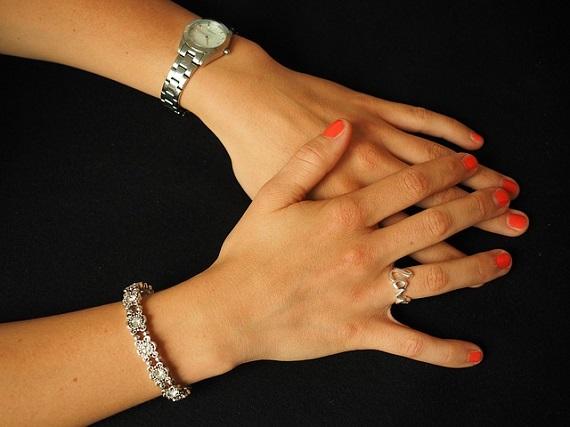 jewellery-bangle
