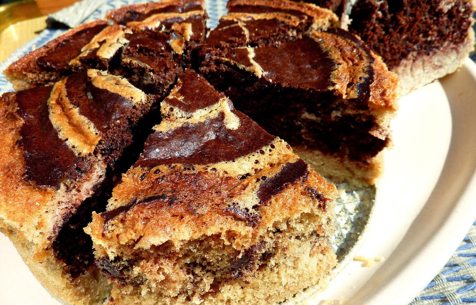 guten free bicolor cake