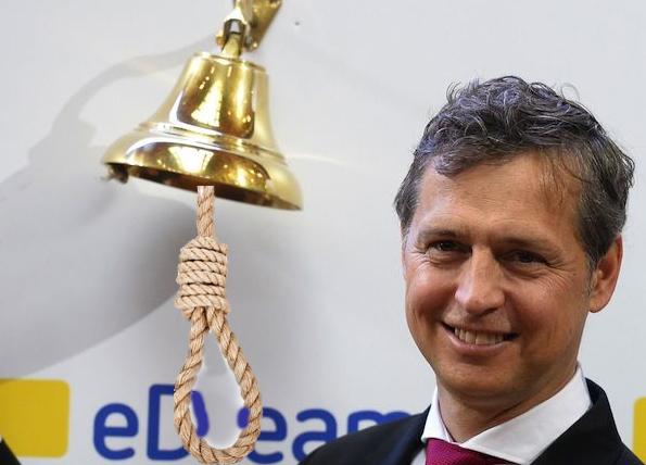 Pérez Tenessa dimite