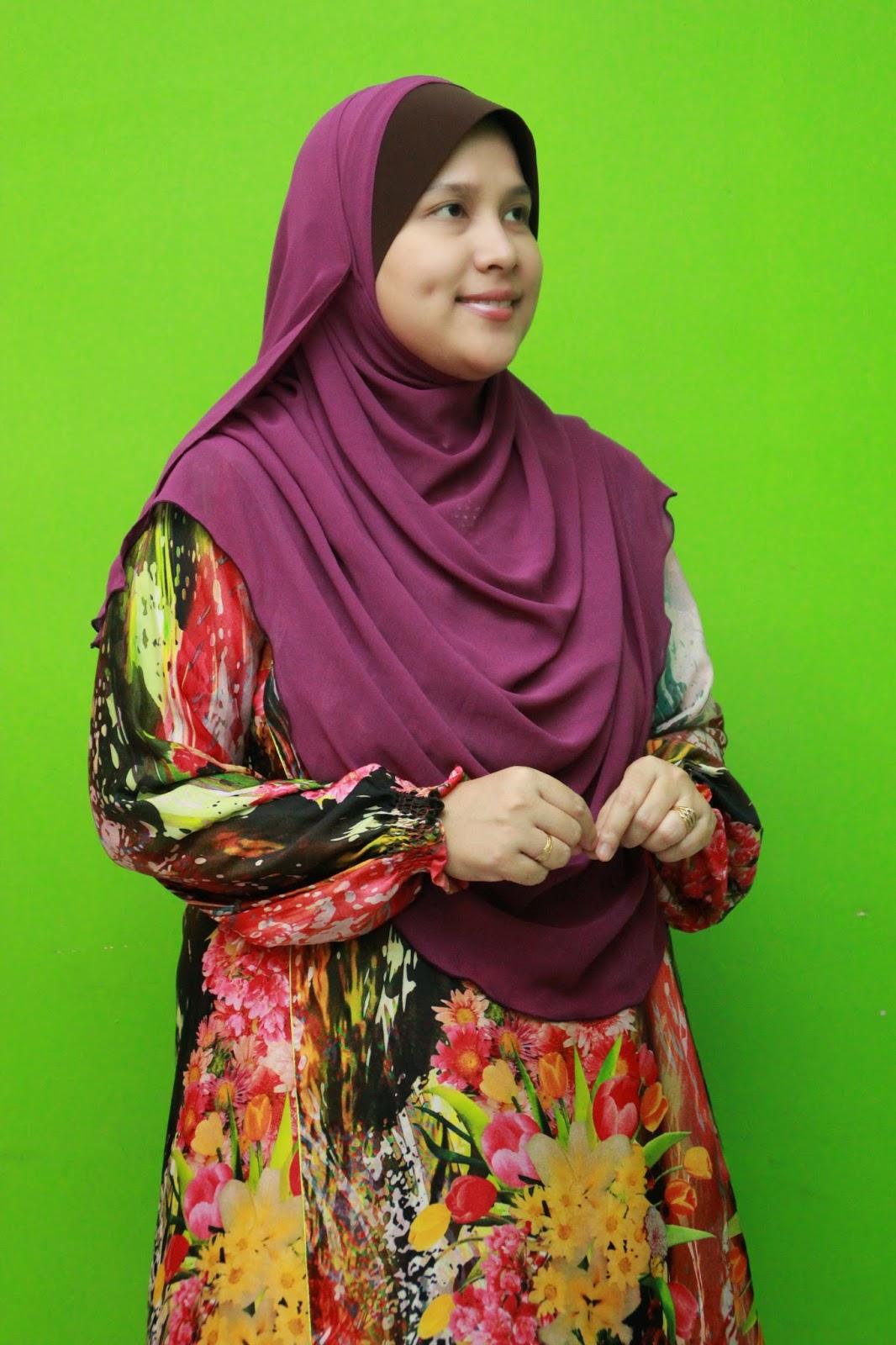 http://www.annajahapparel.com.my/p/instant-shawl-safia.html
