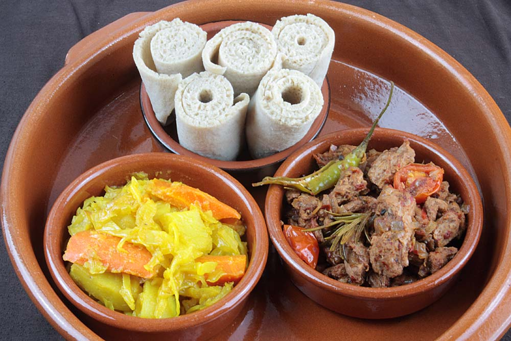 A2k a seasonal veg table mazi mas ethiopian tibs soya beef with i was more tempted by the berbere spices which i have come to love and have a stash of the original mazi maz tibs recipe is made with beef skirt forumfinder Image collections