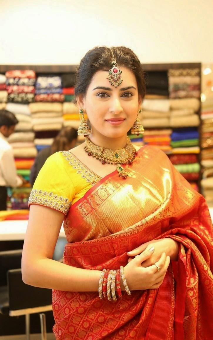 Archana hot saree pictures