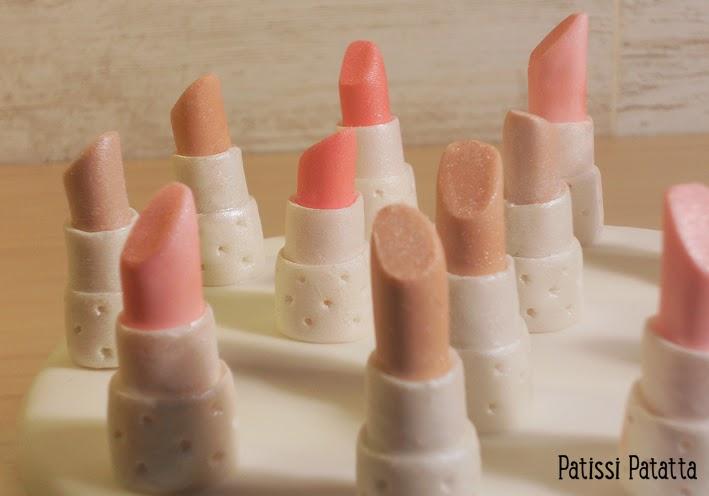 cake design, gâteau 3D, pâte à sucre, gumpaste, fondant, lipsticks, rouges à lèvres