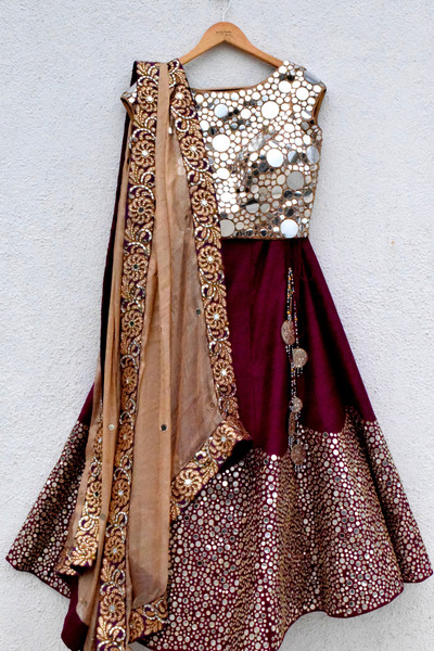 bridal lehenga, wedding lehenga, Lehengha online, Vinatge desi lehenghas, Designer wear leheghas in India, INdian, celebrity designer, Anisha Shettys collection