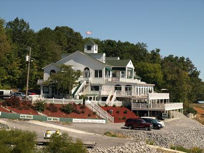 Dandridge, TN - Mountain Harbor Inn