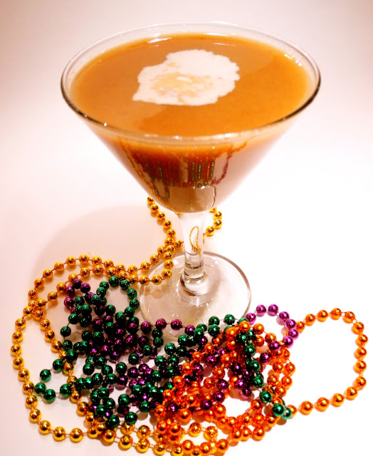 A Little Bite of Life: Bananas Foster Rum Cocktail (Mardi Gras)