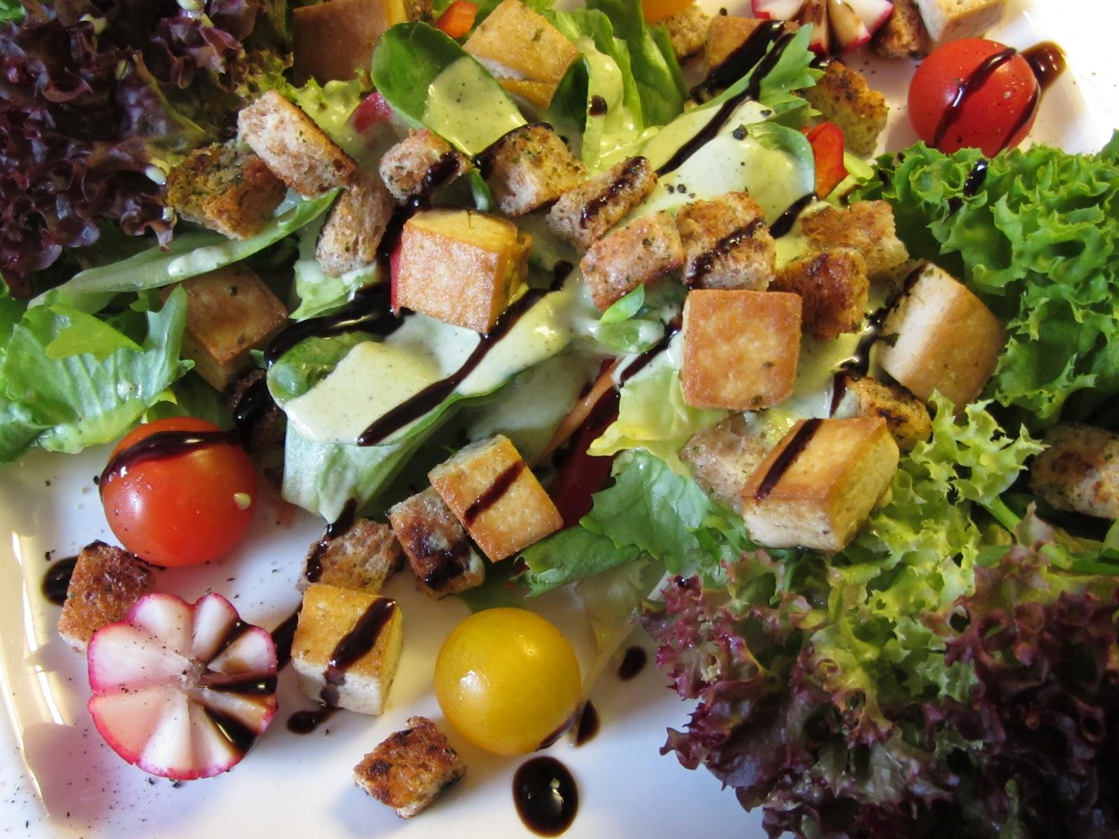 vegan kochen mit j r me eckmeier veganer caesar salad. Black Bedroom Furniture Sets. Home Design Ideas