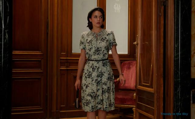Sira Quiroga vestido gris. El tiempo entre costuras. Capítulo 5