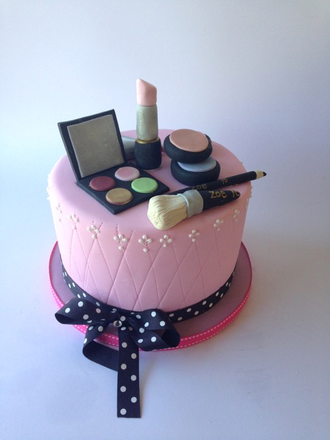 Rozannes Cakes Make Up Cake