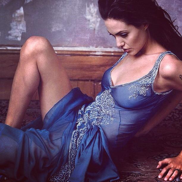 Angelina Jolie Artis Wanita Terkaya Di Dunia