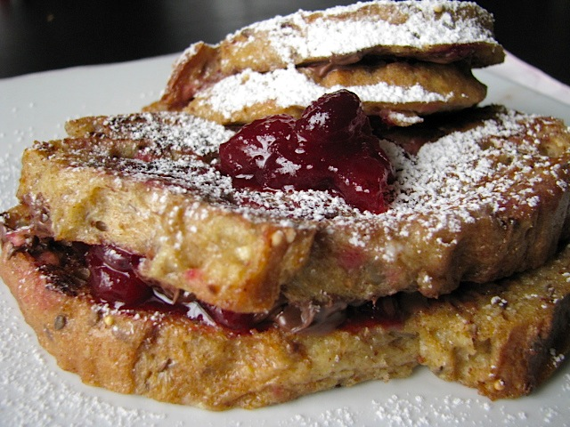 two foodies & a pup: Cranberry Nutella Stuffed French Toast