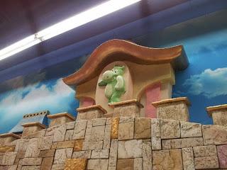 Детски магазин Hippoland декор на приказен замък 4