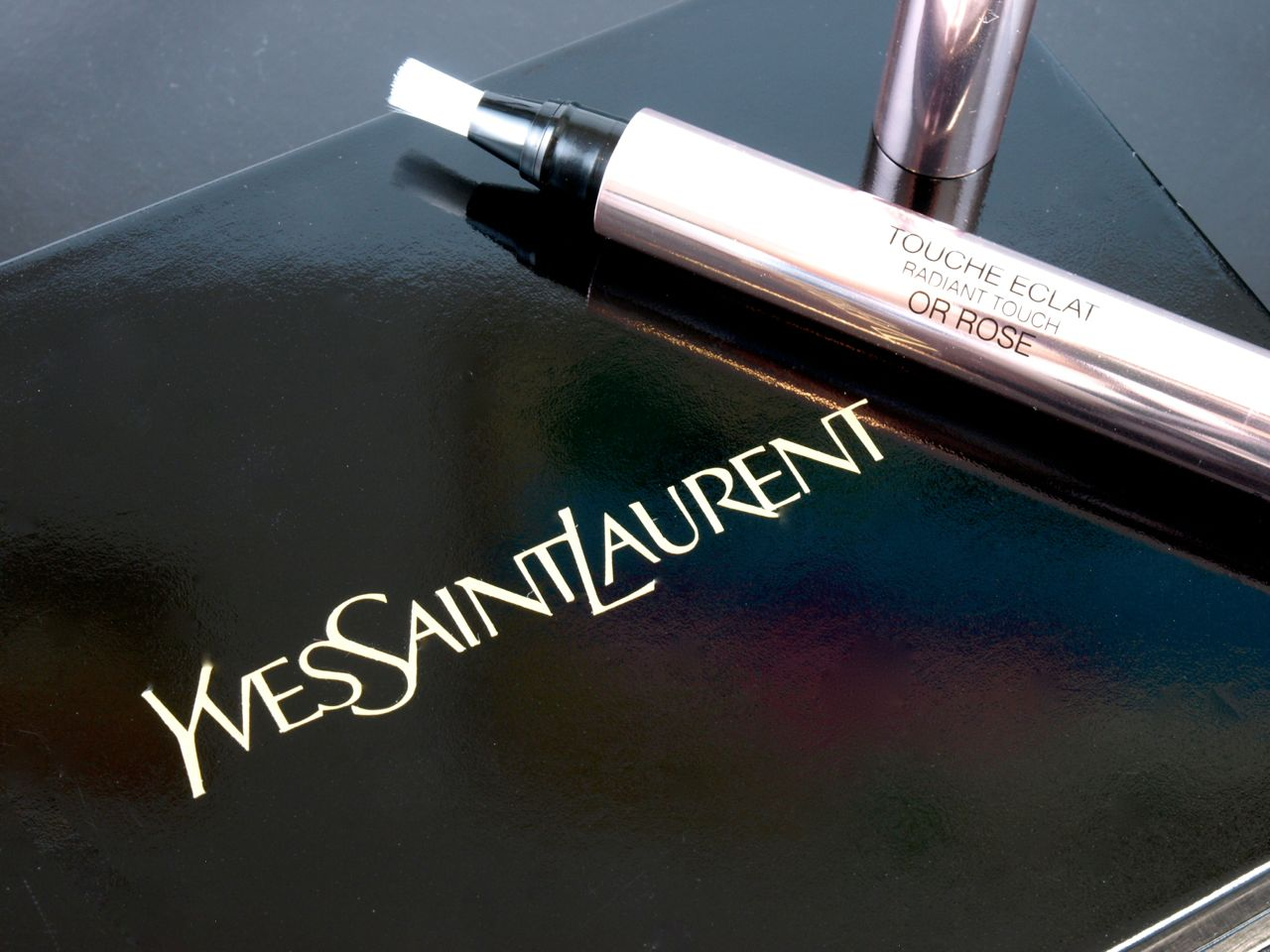 YSL Yves Saint Laurent Touche Éclat Or Rose (Rose Gold): Review