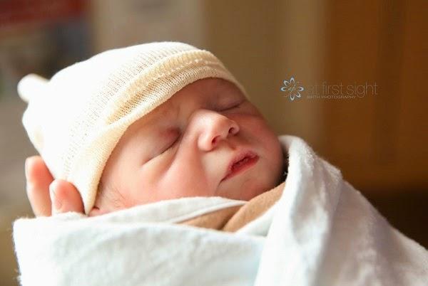 Photo bébé mignon  naissance photographe
